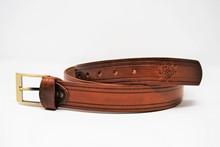 Cintura in cuoio ingrassato liscia con righe CP 10